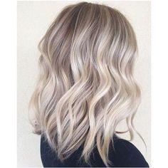 Coloration blonde cendrée
