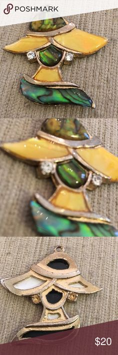 Abalone lady in a hat pendant 1960s cool vintage Natural material shell mighty of pearl abalone stained glass construction pendant. What a fun find. Two inches. Vintage Jewelry Necklaces