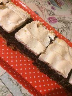 Habos almás mákos sütemény, fenséges illatozó csoda, olyan igazi házi süti! - Ketkes.com Spanakopita, Sweets, Cookies, Baking, Ethnic Recipes, Easy, Poppy, Food, Recipes