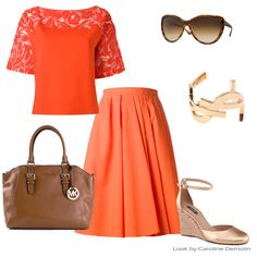 Laranja! Tom energizante de verão! #fashion #moda #personalstylist #consultoriademoda #consultoriadeimagem #looks #lookdodia #lookoftheday #style #estilo #blumarine #carven #michaelkors #arezzo #saintlaurent #tomford   Veja mais em www.carolinedemolin.com.br