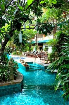 Lazy River in the Backyard- OMG! I would spend my whole day out here.