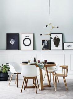 Somos muchos los que optamos por el mismo modelo de silla de comedor, pero eligiendo modelos diferentes tendremos un aspecto trendy y muy personalizado.