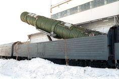 En Rusia siguen los trabajos de desarrollo de una nueva versión del complejo especial de misiles nucleares transportado por ferrocarril (BZhRK por sus siglas en ruso). Así lo han publicado al mismo tiempo varios medios de comunicación rusos remitiéndose a una fuente en el Ministerio de Defensa. Diferentes expertos consideran que el