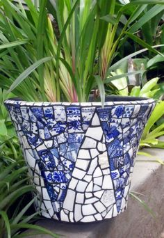 mosaic artist: Smashing TimesYou can find Mosaic pots and more on our website. Mosaic Planters, Mosaic Garden Art, Mosaic Tile Art, Mosaic Vase, Mosaic Flower Pots, Mosaic Birds, Mosaic Artwork, Blue Mosaic, Mosaic Crafts
