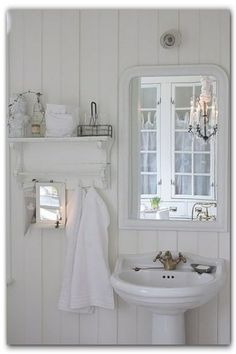 French Cottage Bathroom Inspiration - Tidbits - - French Cottage Bathroom Inspiration round-up. A great way to get your creative juices flowing before you dive into your own space makeover! Style Cottage, White Cottage, Farmhouse Style, French Cottage Decor, Cottage Farmhouse, White Farmhouse, Cottage Chic, Baños Shabby Chic, Shabby Chic Homes
