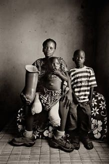 Una fotografía de Gervasio Sánchez, perteneciente a su colección de 'niños soldado'
