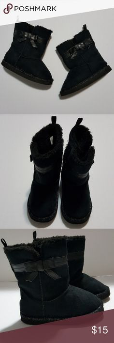 ⚡Just listed⚡Boots for your little lady (Size 8) Bought at Toys R us  Great condition ToysRus Shoes Boots