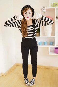 Cute and Unique Halloween Costume Ideas for Women 2018 Mime Halloween Costume Ideas for W. Mime Halloween Costume, Unique Halloween Costumes, Last Minute Halloween Costumes, Halloween Make, Funny Halloween, Costumes Faciles, Easy Diy Costumes, Costume Ideas, Ninja Costumes