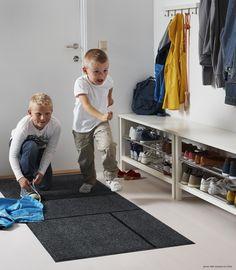 IKEA KÖGE door mat Easy to keep clean - just vacuum, shake or rinse. Black Door Mats, Black Doors, Entryway Runner, Entryway Rug, Small Space Interior Design, Interior Design Living Room, Nylons, Ikea Shopping, Ikea Home