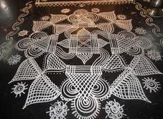 Rangoli Designs Flower, Rangoli Ideas, Rangoli Designs Diwali, Rangoli Designs Images, Kolam Rangoli, Beautiful Rangoli Designs, Sankranthi Muggulu, Padi Kolam, Free Hand Rangoli Design
