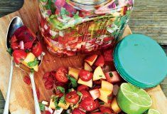 Fresh fruit relish Outdoor Food, Fresh Fruit, Salsa, Mexican, Healthy, Ethnic Recipes, Cookout Food, Salsa Music, Health