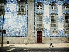 Ventanales_de_Praga_con_azulejos_ibéricos.jpg (800×600)