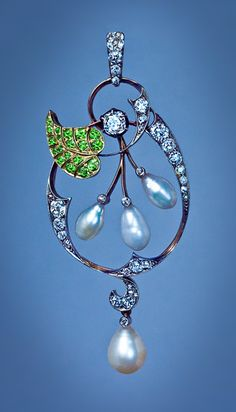 An Elegant Art Nouveau Pendant  Russian, circa 1910  Unmarked, attributed to Bolin, jeweler of the Imperial Court