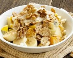Banana Breakfast, Breakfast Buffet, Breakfast Snacks, Breakfast Bowls, Breakfast Time, Light Recipes, Healthy Mind, Vegan Recipes, Food And Drink