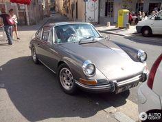 Grey Porsche 912