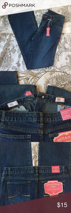 """Steve & Barry's Denim (Girls) Adjustable waist band ~ 5-pocket design ~ low rise stretch bootleg ~ one button zip fly closure ~ Measurements: Inseam 29"""" Front rise 5.5"""" Length 37.5"""" Leg opening 16"""" Hips (with jeans laying flat) 16"""" ~ NWT Steve & Barry's Bottoms Jeans"""