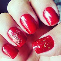Vermelhas, florzinha e glitter.