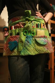 Free pattern apron by Colleen Babcock~pdf pattern http://www.allcrafts.net/sewing.htm