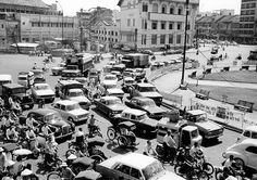 Traffic in downtown Saigon Saigon Vietnam, South Vietnam, Vietnam War, Citroen Ds, Peugeot, African Royalty, Star Photography, Korean War, Ho Chi Minh City