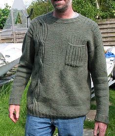 A classical drop-shoulder pullover for men, but the assymetrical placed cable at the front and the back makes it interesting and stylish. The men's wrapped is worked top-down, starting with a provisional cast-on at the shoulder. The breast pocket is optional.