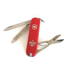 【VICTORINOX ボーイスカウト・クラシック】通称スイスアーミーナイフとよばれているこのVICTORINOXツールは、一環工場で生産され、実用的なデザインとその品質は世界最高レベルと言えます。このVICTORINOXナイフの中のお気に入りの1本が身近にあれば、非常時はもちろんですが、何気ない実生活のいろいろな分野でも、さりげなく役立つでしょう。商品ページ→ http://grove.shops.net/item?itemid=14044