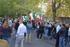 Roma - 30setttembre 2016, Manifestazione  cittadina a Monteverde davanti la Croce Rossa che ospita quasi 500 migranti (Foto Copyright Online News)