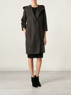Shop Max Mara removable lining hooded wrap coat in Liska from the world's best independent boutiques at farfetch.com. Over 1000 designers from 300 boutiques in one website.