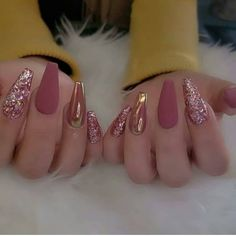 Discover new and inspirational nail art for your short nail designs. Prom Nails, Bling Nails, Stiletto Nails, Coffin Nails, Solid Color Nails, Nail Colors, Bridal Nails, Wedding Nails, Dimond Nails