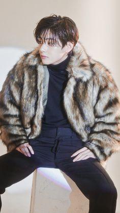 V Taehyung, Bts Jungkook, Kpop, Bts Kim, V Bts Cute, Taehyung Photoshoot, Bts Aesthetic Pictures, Bts Korea, Bts Lockscreen