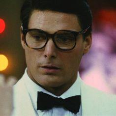 Christopher Reeve in Superman III wearing a tux. Nice! http://www.newmovieshouse.com/1983/Superman-III/