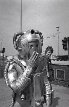 オンマカキャロニキャソワカ oM mahaa-k: Cheeky Cyberman