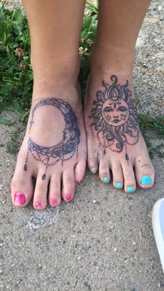 Tattoos on foot sun tattoos and am in love on pinterest for Sun and moon matching tattoo