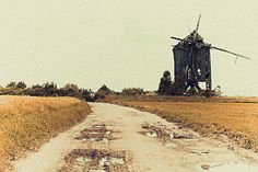 One old #windmill. More here -> http://www.fotografia.bartoszkoplin.pl/2013/06/16/polskie-drogi/