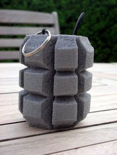 griff-- Toy hand grenade diy