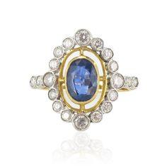 Bague pompadour saphir et diamants. - style Kate. http://www.bijouxbaume.com/bague-pompadour-saphir-et-diamants.htm