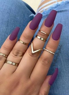 You've probably noticed a movement toward bare-ish nails lately. (Call it the anti-nail art, if you will.) The 2 of the biggest nail trends to emerge from the Spring/ Summer 2018 runway shows are the graphic art and matte metallic nails. Summer Acrylic Nails, Best Acrylic Nails, Spring Nails, Summer Nails, Classy Acrylic Nails, Fall Nails, Stylish Nails, Trendy Nails, Classy Nail Art