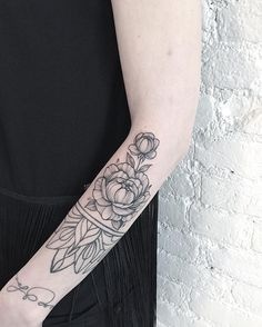 Fresh WTFDotworkTattoo Find Fresh from the Web Мой только пиончик. #inkedgirl #sashatattooingstudio #inked #ink #annabravo#blacktattoo #dotworktattoo#dotwork #peony #peonytattoo#peonies #amazingink #wow#tattoo anna_bravo_ WTFDotWorkTattoo