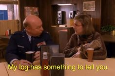 """13 Things One Must Know About The Log Lady Of """"Twin Peaks"""""""