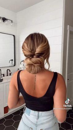 Hair Ponytail Styles, Bun Hairstyles For Long Hair, Work Hairstyles, Curly Hair Styles, Hair Videos, Hair Looks, Hair Inspiration, Hair Cuts, Hair Beauty