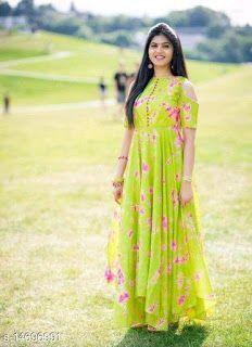 Indian Gowns Dresses, Indian Fashion Dresses, Indian Designer Outfits, Designer Dresses, Long Gown Dress, Saree Dress, Dress Skirt, Frock Models, Long Dress Design