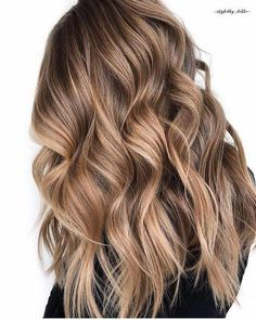 Long Wavy Ash-Brown Balayage - 20 Light Brown Hair Color Ideas for Your New Look - The Trending Hairstyle Brown Hair Balayage, Brown Blonde Hair, Brown Hair With Highlights, Hair Color Highlights, Hair Color Balayage, Ombre Hair Color, Caramel Highlights, Blonde Color, Balayage Hair Brunette Caramel