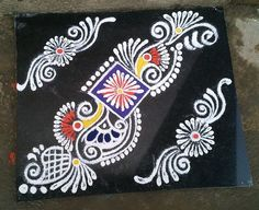 Make these border rangoli designs at the corners and at the entrance of your home. Decorate your house with these pretty border rangoli designs for Diwali. Indian Rangoli Designs, Rangoli Designs Latest, Rangoli Designs Flower, Rangoli Border Designs, Small Rangoli Design, Colorful Rangoli Designs, Rangoli Designs Images, Flower Rangoli, Beautiful Rangoli Designs