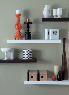 Floating Wall Shelves Decorating Ideas | Floating Shelves | Apartments i Like blog @Michele Morales Shervin I want these for my room downstairs. A much better way to display the stuff I have than on my bureau.
