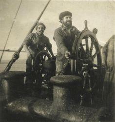 Stylowe drewniane koło sterowe, Ludzie Morza, dawny żaglowiec