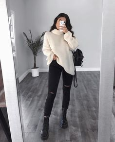Pull blanc, pantalon noir – LadyStyle – Tricot et crochet – Eau – White sweater, black pants – LadyStyle – Knitting and crochet – Water – – Winter Outfits For Teen Girls, Winter Outfits 2019, Cute Fall Outfits, Winter Outfits Women, Winter Fashion Outfits, Fasion, Outfit Winter, Spring Outfits, Classy Outfits