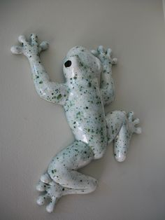 looks like cookies and cream frog Funny Frogs, Cute Frogs, Amazing Frog, Awesome, Frog Crafts, Frog Art, Ceramic Animals, Serpent, Frog And Toad