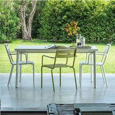 mooie strakke tuinstoeltjes -praktische stoelen #tuin #tuinstoel #garden #inspiratie