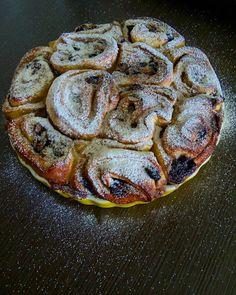 """Páči sa mi to: 44, komentáre: 12 – Natália Ivanová (@natalia_ivanovie) na Instagrame: """"💜 Čučoriedkovo - škoricové 💜 💛  A veľa masla, masielka 💛  #cinnamombuns#blueberries#bakingtime…"""""""