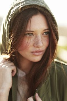 I always thought this was how freckles should look. I just have freckles everywhere, not just nicely scattered across my nose and cheeks. Bare Beauty, Natural Beauty Tips, Beauty Care, Beauty Hacks, Beauty Guide, Natural Makeup, Beauty Skin, Lindsay Hansen, Rich Hair Color