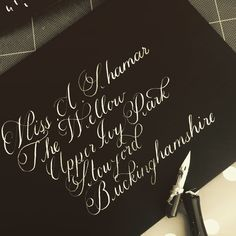 A L'aise calligraphy